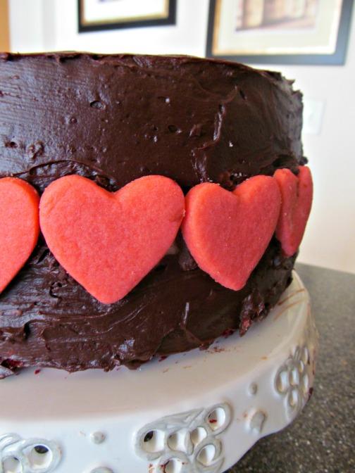 hidden hearts red velvet cake1